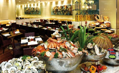 Caravelle Hotel Vietnam restaurant Nineteen seafood buffet oysters and shellfish modern decor