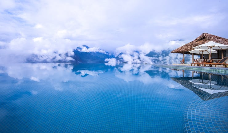 Topas Ecolodge pool, infinity pool with views over mountains