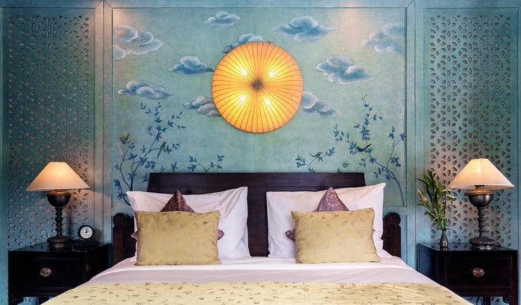 Violet Cruise moon suite, bed, elegant decor with traditional illustration
