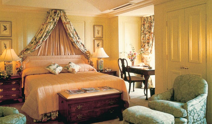 The Langham Sydney bedroom with drapes and writing desk