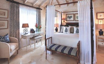 Coral Reef Club Barbados luxury plantation suite four poster bed