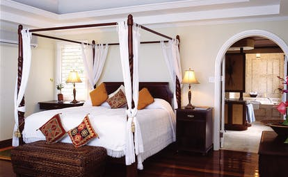 Half Moon Jamaica guest room four poster bed modern décor