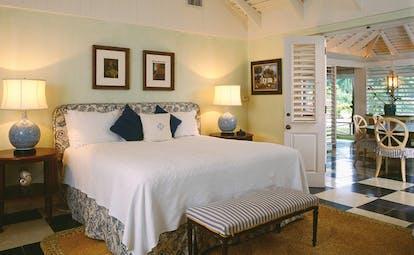 Round Hill Jamaica deluxe villa suite bedroom
