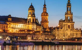 Nightime lights of Dresden baroque buildings