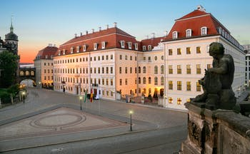 Taschenbergpalais exteriro, hotel builing overlooking town square