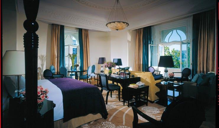 Four Seasons Gresham Palace Hungary bedroom writing desk seating area lounge
