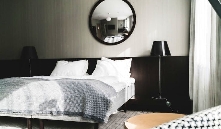 Superior room in black and white at Bergen Bors