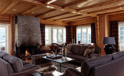 Storfjord Hotel living room with open fire place