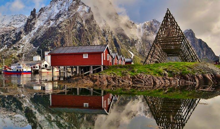Svinoya Rorbuer red houses built over water