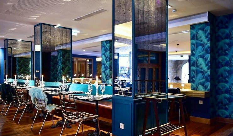Pestana Vintage Porto Restaurant, bar, wooden floor, blue painted decor