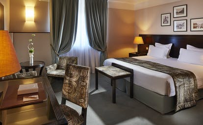 Hotel Regent Contades deluxe room with lights