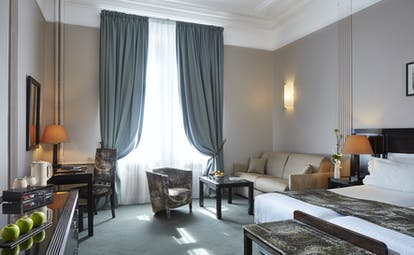 Hotel Regent Contades junior suite with green grey blue curtains
