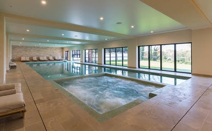 Spa indoor pool and jacuzzi at Chais Monnet Cognac