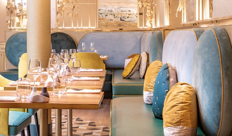 Le Burdigala Bordeaux restaurant with bank seating and yellow cushions