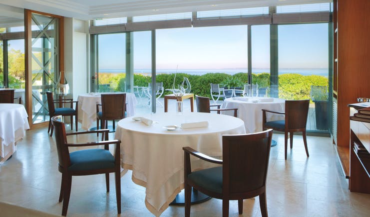 Hotel Anne de Bretagne Brittany restaurant indoor dining area with sea view