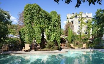 Chateau de Riell swimming pool