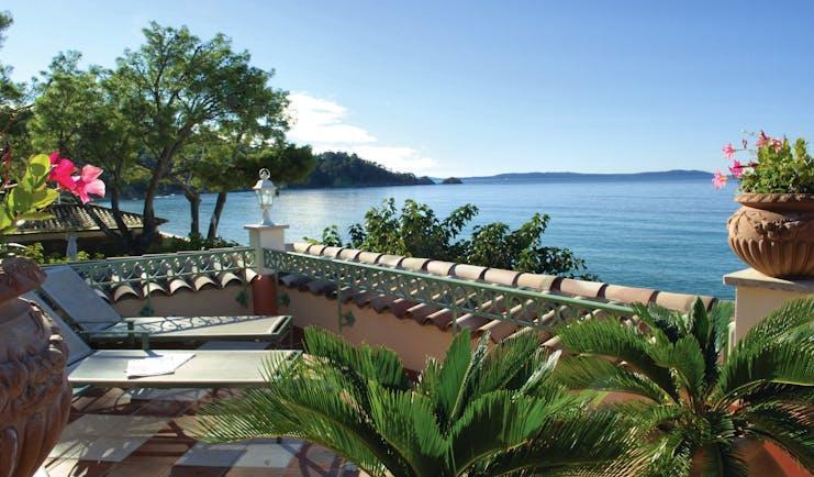 Le Club de Cavaliere Provence terrace with sun loungers overlooking the sea