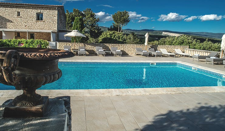 Le Phebus Provence outdoor swimming pool