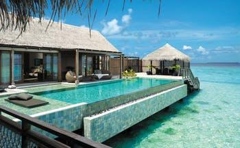 Shangri La Villingili villa muthee, private infinity pool, decking, villa buildings