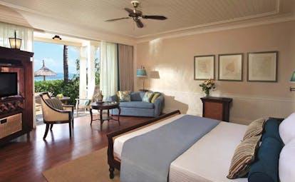 Le Telfair Mauritius seaview suite bed sofa modern décor