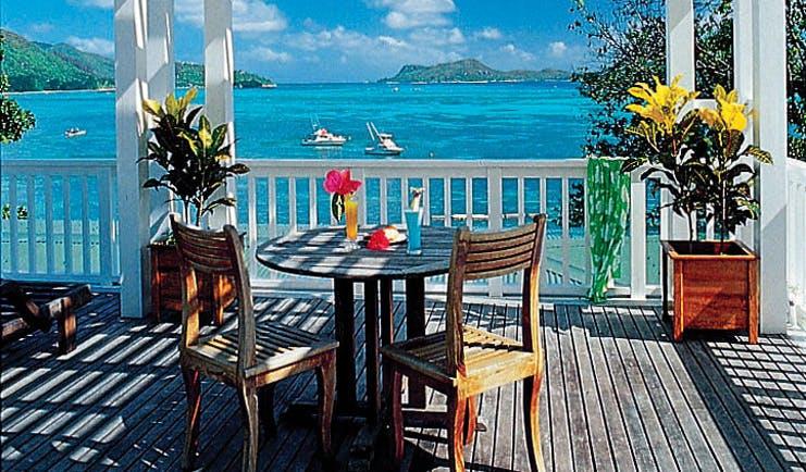 Hotel L'Archipel Seychelles restaurant balcony terrace sea view