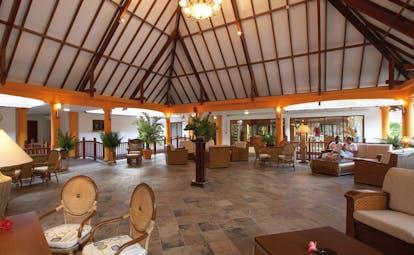 Domaine de la Reserve Seychelles pavilion lounge sofas bridges seating area