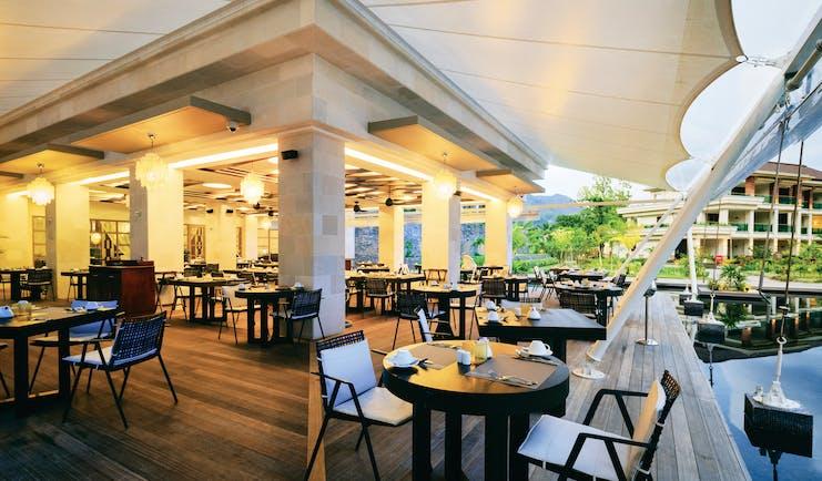 Savoy Seychelles restaurant, tables and chairs, elegant modern decor