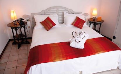 La Locanda Delle Donne Monache Basilicata deluxe bedding cushions slippers