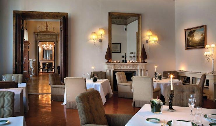 Relais Santa Croce Florence Guelfi Ghibellini restaurant indoor dining