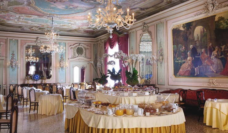 Baglioni Hotel Luna Venice Canova restaurant ornate décor painted wall frescoes continental breakfast buffet