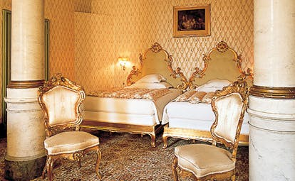 Grand Hotel Villa Serbelloni Lake Como bedroom traditional décor