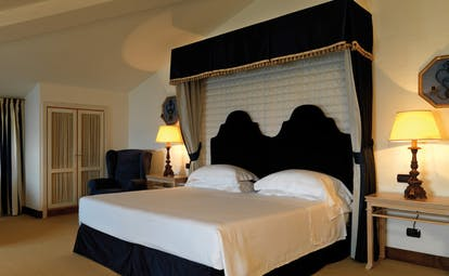 La Posta Vecchia Latium junior suite canopied bed modern décor