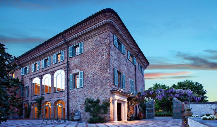 Relais Sant'Uffizio Piemonte entrance hotel exterior traditional architecture
