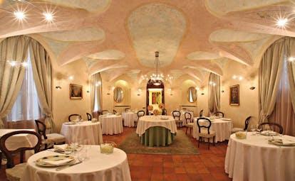Relais Sant'Uffizio Piemonte restaurant ornate décor original architectural features