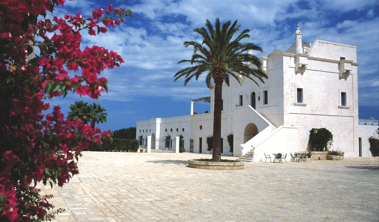 Masseria San Domenico Puglia hotel building courtyard traditional architecture