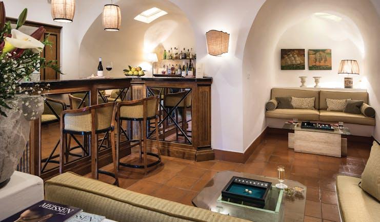 Hotel Villa Belvedere Sicily bar contemporary décor bar stools sofa