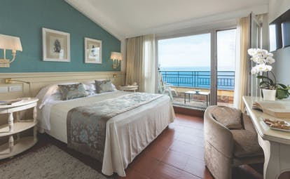 Hotel Villa Belvedere Sicily suite terrace patio doors leading to terrace with ocean views