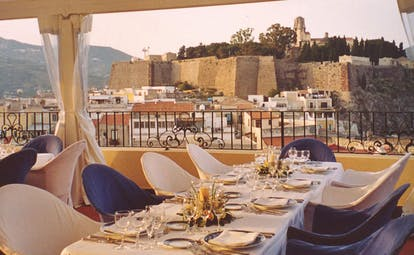 Villa Meligunis Sicily dining restaurant overlooking ancient city