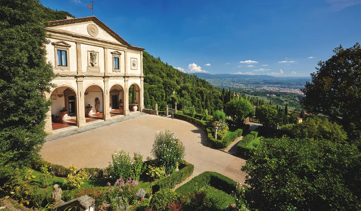 Villa San Michele Tuscany entrance drive way hotel building