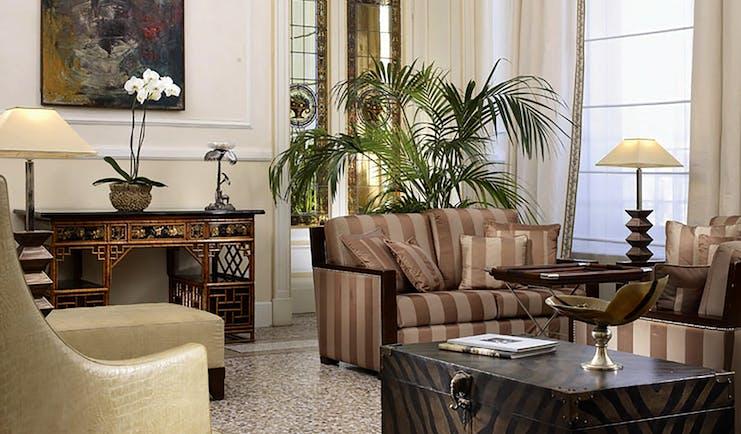 Principe di Piemonte Tuscany hall communal sitting area modern décor
