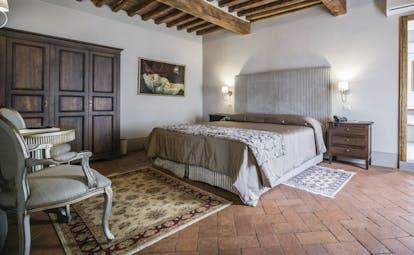 Palazzo Leopoldo Tuscany superior bedroom traditional décor