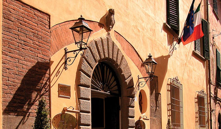 Relais dell'Orologio Pisa door hotel entrance traditional architecture