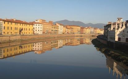 Relais dell'Orologio Pisa river historic riverbank