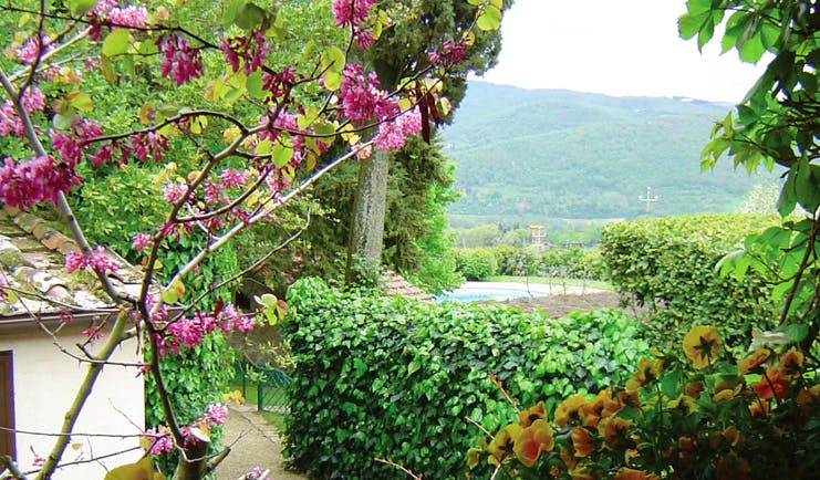 Villa Le Barone Tuscany gardens trees plants view of countryside