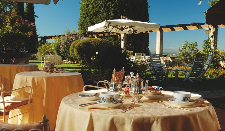 Villa Cipriani Veneto outdoor dining and afternoon tea countryside views