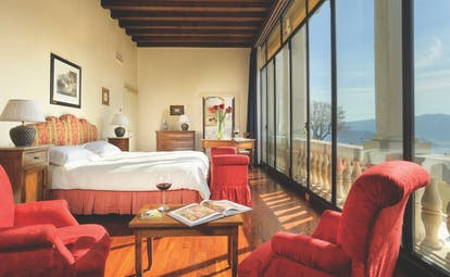 Villa Michelangelo Veneto executive suite glass wall overlooking countryside stylish décor