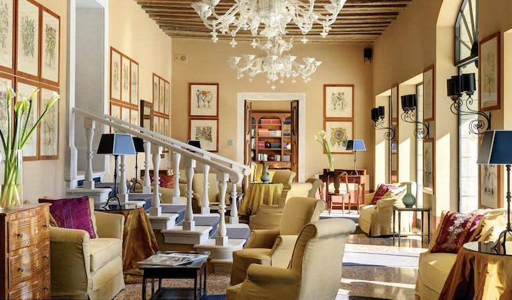 Villa Michelangelo Veneto lounge communal indoor seating area stylish décor