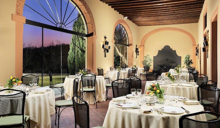 Villa Michelangelo Veneto restaurant at night indoor dining views of gardens