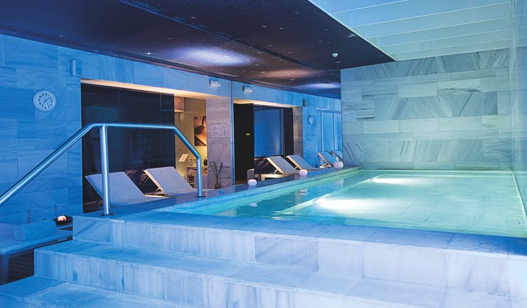 Palacio de los Patos Granada spa indoor pool mood lighting