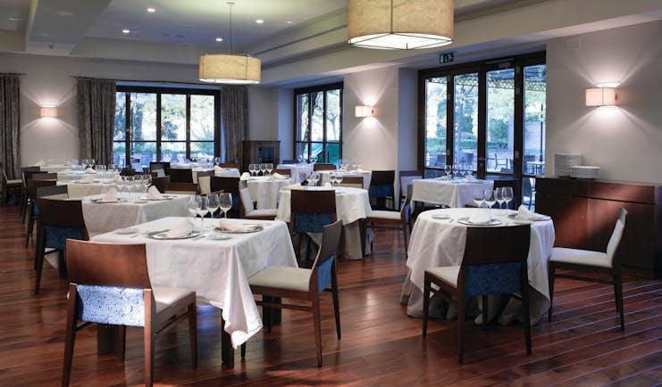 Parador de Granada restaurant indoor dining modern décor